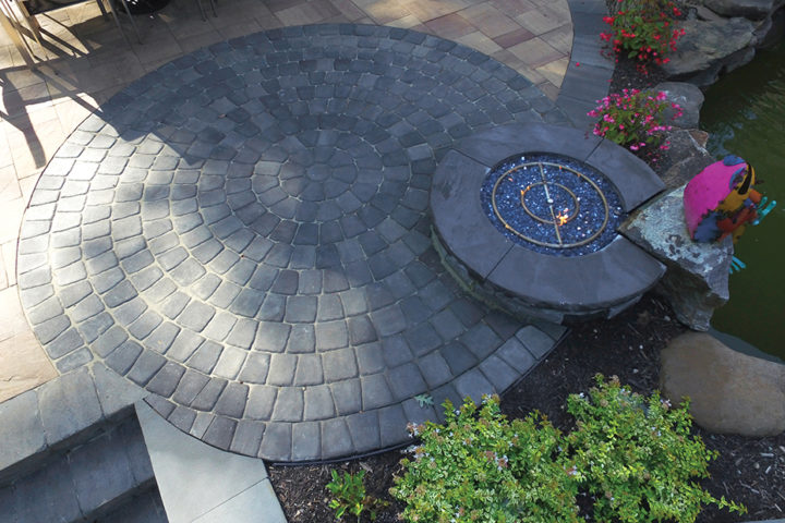 Ashland Fire Pit and Classic Cobble Circle Kit in Granite