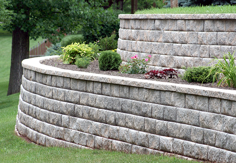 Regal Stone Pro RockFace Wall in Palmetto