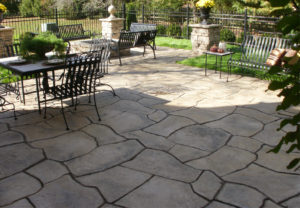 Rosetta Grand Flagstone Pavers in Canyon