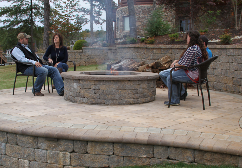 Stoneledge Fire Pit & Napa Wall in Fieldstone | Coping in Mesquite