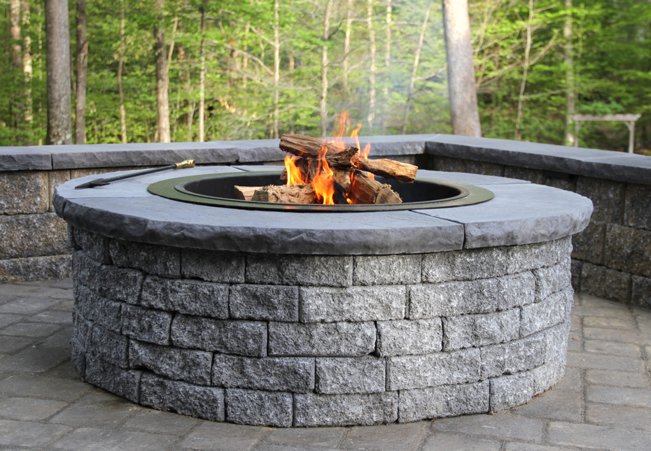 Outdoor Living: StoneLedge™