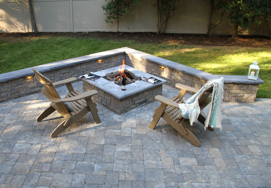 Carriage Stone Pavers, StoneLedge Wall & StoneLedge Fire Pit in Fieldstone | Rock Face Wall Caps in Charcoal