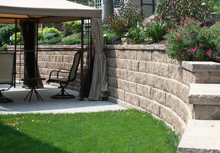 Regal Stone Pro RockFace Wall in Coastal Tan
