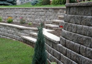 Regal Stone Pro RockFace Wall in Palmetto