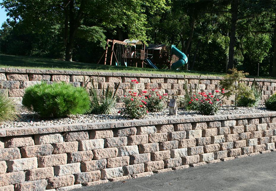 Regal Stone RockFace Wall in Auburn