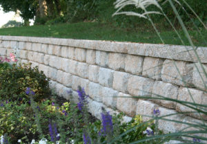Regal Stone RockFace Wall in Palmetto
