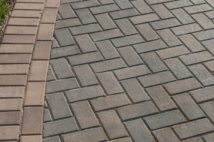 Holland Stone in Fieldstone with Coastal Tan Border