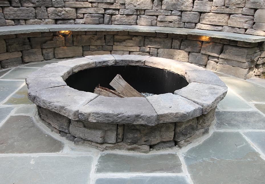 Rosetta Belvedere Fire Pit & Rosetta Belvedere Wall in Canyon