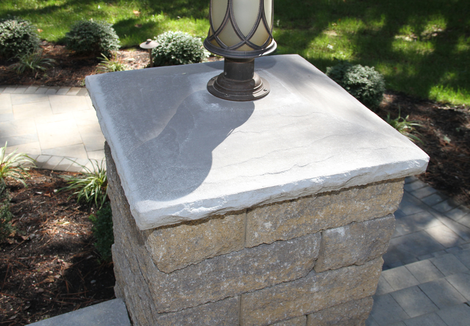 Rock Face Light-Top Column Cap in Granite | Stoneledge Wall in Fieldstone
