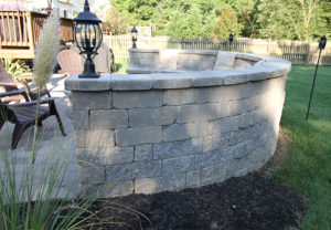Stonegate Wall (top course) and Stoneledge Wall (bottom course) in Fieldstone