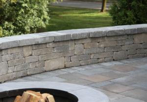 Stonegate Wall & Stonegate Wall in Fieldstone | York Tile Pavers in Multi