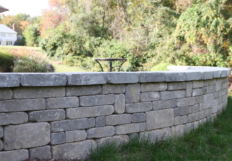 Stonegate Wall in Fieldstone