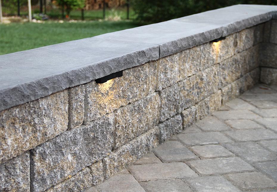 StoneLedge Wall in Fieldstone | Rock Face Wall Caps in Charcoal