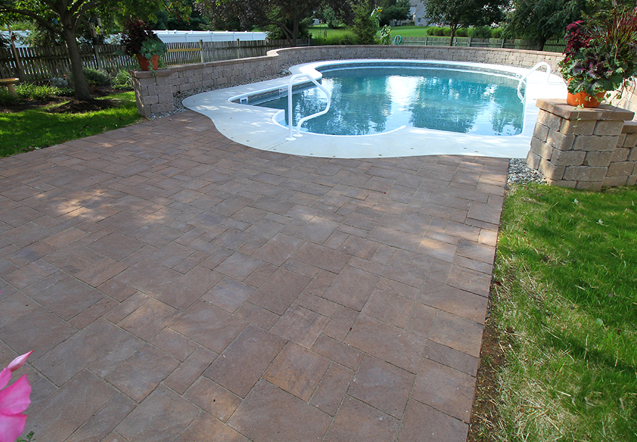 Terrace Stone Pavers & Stonegate Wall in Mesquite