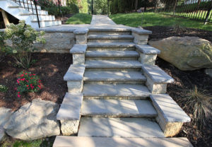 Sonoma Wall in Palmetto | Rock Face Wall Caps & Stair Treads in Charcoal