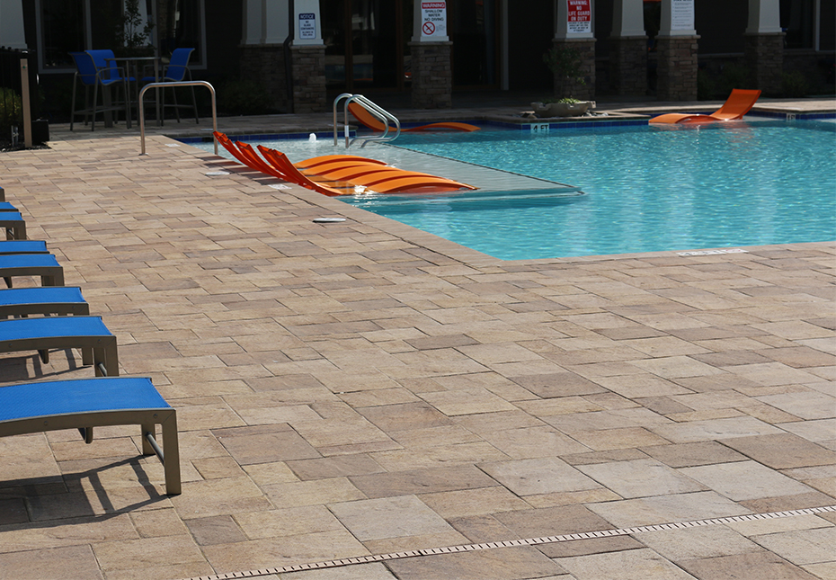 York Tile Pavers in Coastal Tan & Mesquite Mix | Coping in Coastal Tan