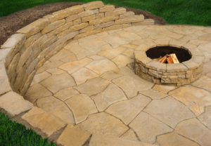 Rosetta Koda Wall, Grand Flagstone and Belvedere Fire Pit in Saddle
