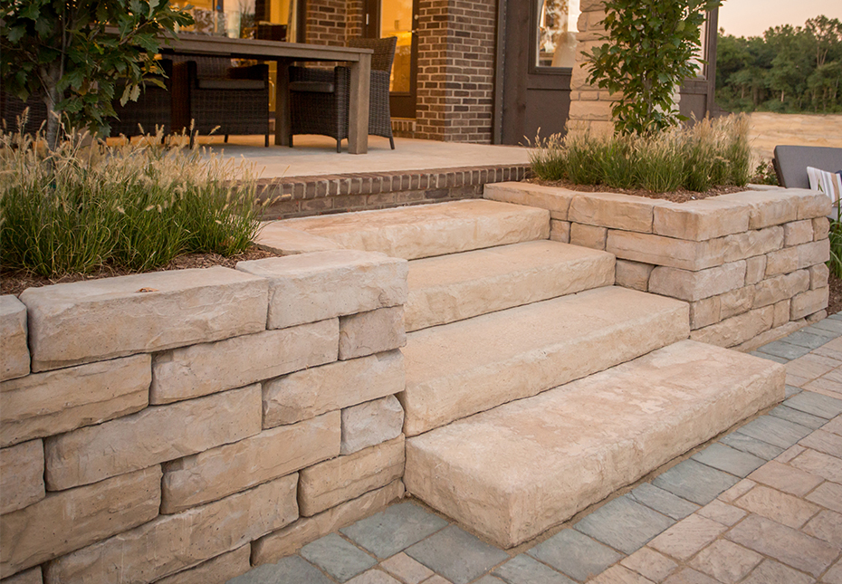 Rosetta Koda Wall and Dimensional Steps in Saddle