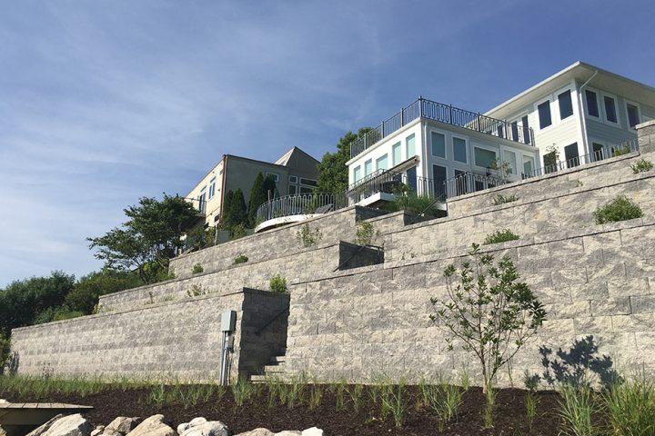 Compac Wall in Granite Compac Wall in Granite