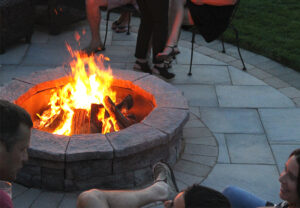 Belvedere Fire Pit & Dimensional Flagstone in Canyon