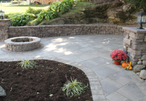 Belvedere Wall, Belvedere Fire Pit & Dimensional Flagstone in Saddle