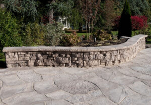 Belvedere Wall, Dimensional Coping & Grand Flagstonein Saddle