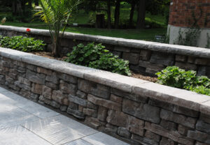 Dimensional Coping & Belvedere Wall in Canyon