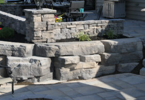 Outcropping Wall, Belvedere Wall & Dimensional Flagstone in Canyon