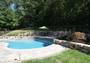 Outcropping Wall in Saddle | Grand Flagstone in Canyon
