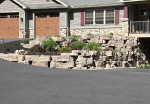 Outcropping Wall in Saddle